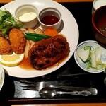 食工房 SHINOWA - 料理写真:和風ハンバーグとカキフライ