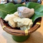 秋月 とうふ家 - 料理写真:○3色ざる豆腐様(北海道黒胡麻、岩手青大豆、地元大豆)