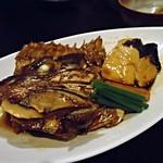 15460556 - 鯛のアラ煮とハマチの切り身の煮付け
