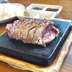 やみつきステーキ - 料理写真:ビーフステーキ定食L280g  1,580円