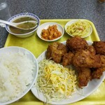 中華料理 桃園 - 料理写真:唐揚げ定食 800円(ランチは700円)