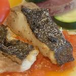 154630219 - 本日の鮮魚のローストフレッシュトマトソース(スズキ)