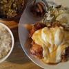 ニジイロ食堂 - 料理写真:チキン南蛮定食\800。でっかいムネ肉の唐揚げが3個です。