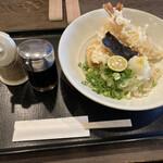 麺匠 空海 - 料理写真:えび天生醤油うどん(冷)