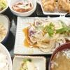 まんまる亭 - 料理写真:鰹のタタキ&唐揚げ定食