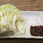 水炊き・焼き鳥 とりいちず酒場 - キャベツと味噌 319円