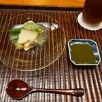 154688532 - 山口県産蒸し鮑とオクラ 肝醤油