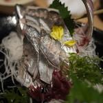 魚吉 - アジの刺身