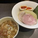 ラーメン アールピージー - 料理写真:みそつけ麺+味玉 900円+120円