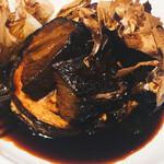 154693418 - 牛ホホ肉の赤ワイン煮