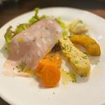 ラ・バルカッチャ - 人参のグラッセが甘くて美味しい パスタとエンドウ豆入りのオムレツはしっとり