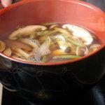 温井製麺 - きのこ汁