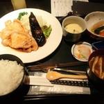 旬房 街道 青葉 - 豚の生姜焼き定食(ランチ)
