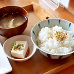 CAFE 珈琲生活 - ご飯、味噌汁、小鉢