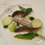 レストラン ペルージュ - 前菜 鶏肉苦手な人用の鮎