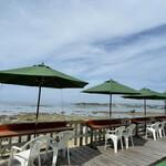 浜辺の茶屋 - 屋外屋上席はこちら入口すぐ横にあります。