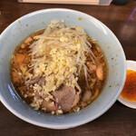 らーめん 玄 - 小の小ラーメン 麺半分ヤサイ少な目ニンニクラー油 650円