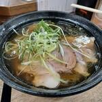 麺哲 - とっても、透明感のある、スープです。