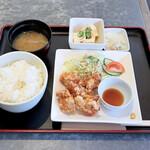ロッシー - タイムランチ 若鶏の唐揚げ定食