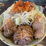 かじろうramen7 - ラーメン小750円 野菜、にんにく、脂まし