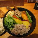 154770766 - チキン(パリパリ)、豚の角煮、豚の挽肉、野菜20品目