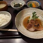 154776799 - 魚定食(煮魚)