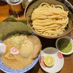自家製麺つけ麺 紅葉 - 料理写真:全部入り中(太麺)バジルペースト付き