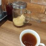 ナポリタン&ミートソース専門店 ちゃっぷまん - オニオンスープとでっかい粉チーズの容器
