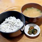 BOW - ご飯、味噌汁、漬物
