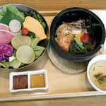 サムギョプサルと野菜 いふう - 石焼ビビンパ、野菜
