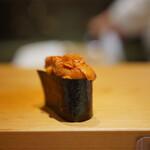 高柿の鮨 - 蝦夷馬糞雲丹