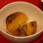 アヒル - ほくほくジャガイモ アンチョビバター