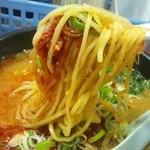 韓国ラーメン 明洞 - 麺は少し太麺
