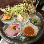 154836405 - 韓式鮮魚のお刺身三種盛り
