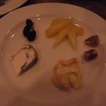 ラターシュ - フランス産チーズの盛合せ 1000円