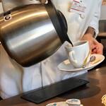 フォルクス - ミニクロワッサンサンドモーニング462円、おかわり自由のホットコーヒー