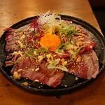 牛京 - サーロインの炙りユッケ風(1,680円)