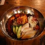 牛京 - 冷麺(880円)