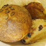 ロバ - 購入したパンはまとめて1つの紙袋に(2012年10月)
