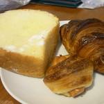 銀亭 - クロックムッシュ、ウインナーパン、クロワッサン