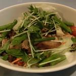 Dining Kitchen Pooh House - キノコのサラダ
