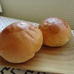 ベーカリーパン屋 - 料理写真:バターロール