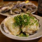 イザカヤキツネ - 牡蠣の小籠包(4個 858円)