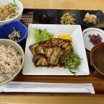 つちのうぶ - 料理写真:村定食