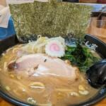 横浜ラーメン てっぺん家 - 料理写真: