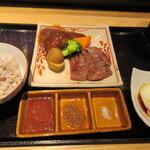 肉寿司 肉和食 KINTAN -