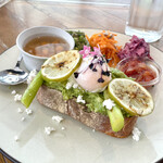 METoA Cafe & Kitchen -