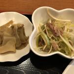 燕京飯店 - ニラ玉炒め定食の副菜