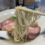 154938858 - 麺リフト