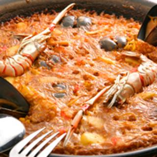 本場スペイン米使用!旬の魚介の出汁を使った絶品パエリア